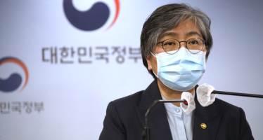 """정은경 """"코로나, 예방접종으로 근절 불가…매년 발생할수도"""""""