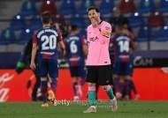 """""""엎치락뒤치락"""" 승리 못한 바르셀로나, 라리가 선두 행 실패"""