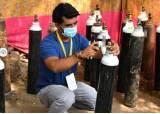 생지옥 인도에 구세주 떴다, 부르면 달려오는 '산소 인간'