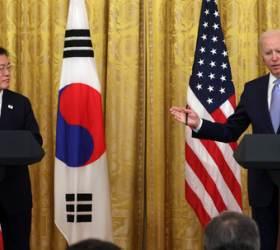 """바이든의 묘수 """"백신 지원은 미군 접촉하는 한국군에게"""""""