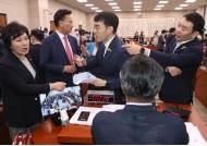 '최전방' 법사위서 또 충돌…꼬여가는 국회 정상화 해법