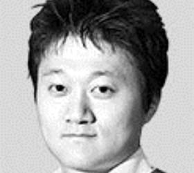 여당조차 손절한 '소주성 설계자' 홍장표의 KDI 영전 [<!HS>취재일기<!HE>]