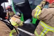 출고 열흘된 전기버스 운행중 배터리 화재…승객 긴급대피