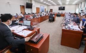 손실보상법, 野 반발 속 국회소위 통과…소급 대신 피해지원