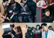 '슬의생2', 카메라 밖에서도 화기애애..현장 비하인드 공개