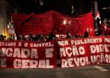 코로나 사망자 50만명 돌파한 브라질, 시민 수천 명 거리 시위