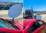 차에 '거대한 위성접시' 꽂고 달렸다...머스크 인터넷 뭐길래