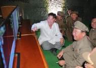 """김정은 """"중대사건"""" 말한 뒤···맞담배 피우던 이병철 실각설"""