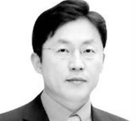 [<!HS>노트북을<!HE> <!HS>열며<!HE>] 검찰총장 배제한 '윤석열 X파일' 수사