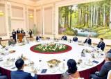 [사진] 북·중 우호 협력 조약 60주년 연회