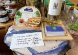 [View & Review] 생선·와인 같이 팔고, 수퍼서 그림놀이…동네 가게 생존법