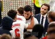 매과이어 父, 갈비뼈 부상...FA, 팬 폭동 관련 징계 절차 밟는다