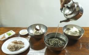 하루 700그릇 불티난다…'맛국수'된 들기름막국수