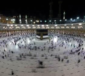 [이 시각] 6만명만 허락된 이슬람 성지순례, 대사원 무단 침입도