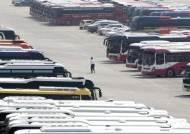 [강갑생의 바퀴와 날개] 전세버스, 개인택시처럼 개별면허 해달라는데…안전이 문제