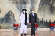 """신장 접경 점령한 탈레반 달래기···中왕이 """"주권 존중한다"""""""