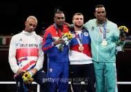 """은메달이라고 주머니에 넣어버린 英복싱선수...""""은메달은 실패자야"""""""