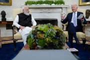 """바이든 """"인도보다 못한 미국 기자들""""…잇따른 악재에 언론탓?"""