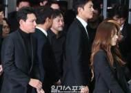 [포토] 故 김주혁 배웅하는 동료배우들