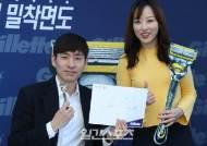[포토] 이승훈 '금메달리스트의 팬사인회'