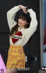 [포토]'프로미스나인' 송하영, 사랑 가득한 하트