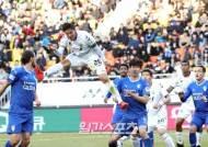 [포토]홍정호,헤딩슛 노렸으나