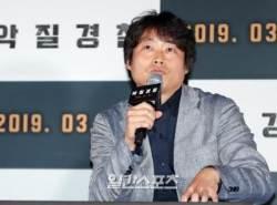 [포토]이정범 감독, 세월호 유족에게 영화 보여줬다