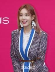 [포토] 동대문 밝힌 큐리의 미소