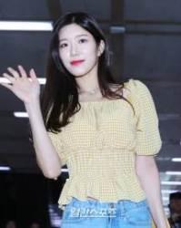 [포토] '우주소녀' 다원, 귀여운 미소와 손인사