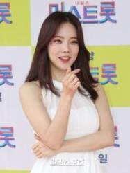 [포토] 김나희 '엄지척은 숨은그림찾기'