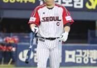[포토]김현수, 배트 바라보는 삼진