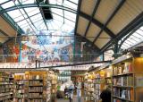 폐쇄된 역 메운 책… 책… '지식 환승역'으로 재탄생