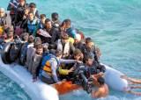 난민 불안감에 선심 공약 약발 … '우향우' 바람 부는 유럽