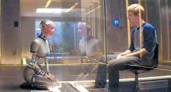 열리는 섹스로봇 시대 … '로봇 사만다와의 사랑' 불륜일까