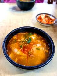 음식의 '<!HS>이산<!HE> <!HS>상봉<!HE>'…북한식 돼지국밥 맛은 딱 부산식
