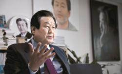 한국당, 태극기 목소리 커지면 총선 필패…친박 물러나야