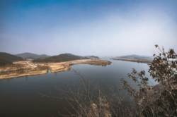 '방어와 여흥' 두 얼굴의 부소산성 품고, 백마강은 흐른다