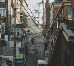 '기생충'의 무대는 사람 냄새 밴 북아현·창신동 골목길