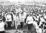 납치된 중 민항기, 춘천 불시착…2만여 명 사형 '옌따'를 부르다