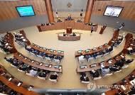 의원 역할 못하는 민주당 기초의원들... '집행부 편들기'