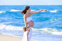 임신 초기 하혈하는 여성 '프로게스테론' 투여 효과 있을까?