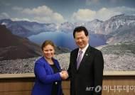 서남수 장관, 핀란드 교과부 장관과 교육협력 논의