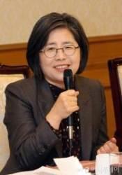 김영란 前대법관, 조선일보 간부 상대 억대 소송 중