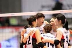 한국 여자배구, 세계랭킹 2위 브라질 제압 '8강 청신호'