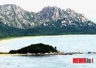 고성통일전망대서 바라본 북한의 산과 바다