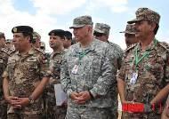 화학무기공격대응훈련 참관한 미-요르단 군인들