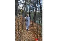 '쏘로우의 월든 호수에서 법정 스님을 만나다'…월든 오솔길의 상민 스님
