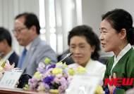 인사말 하는 안숙선 국립국악원 민속악단 예술감독