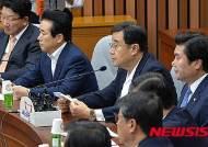 증인신청 실명제 이야기하는 김정훈 정책위의장