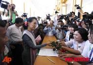 미얀마 총선 99% 개표 완료… 수지 여사, 77.3% 선거구에서 승리